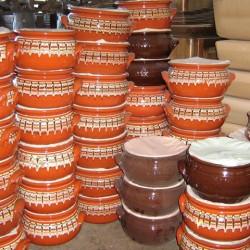 Гювечи и сачове, изработени от керамика